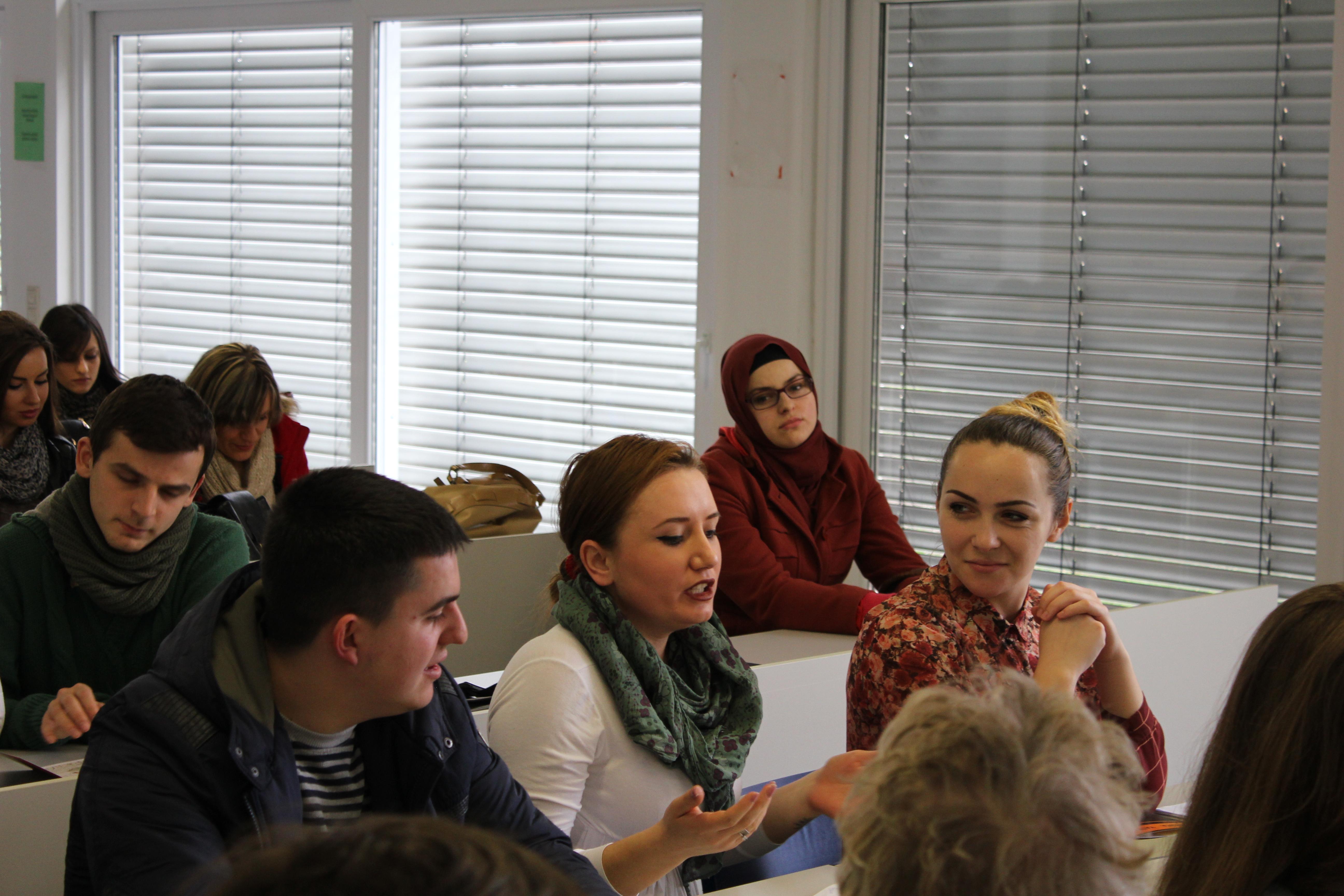 """Промоција на книгата """"Огништа / Vatra"""" и дискусија во Тетово"""